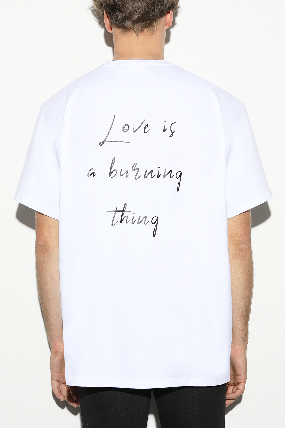 T-shirt for women and men by designer Stefan Eckert, made of organic cotton, sustainably produced in Germany, design The kiss and Love is a burning thing-2